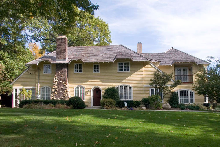 Addition to an Arts and Crafts Period Cottage home in Belle Terre NY designed by Felhandler Steeneken Architects